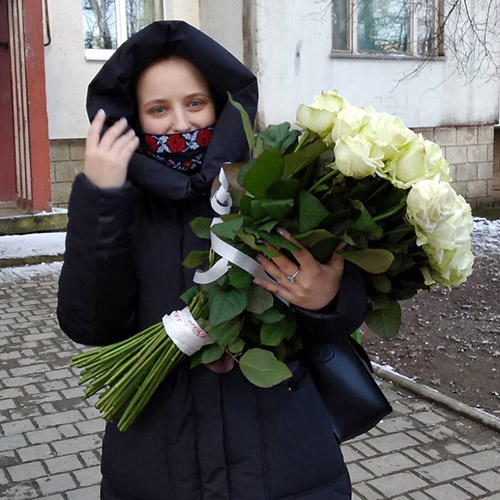 букет белых роз фото доставки